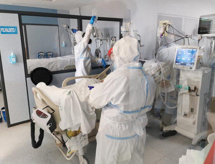 Málaga experimenta una jornada con bajada de contagios y hospitalizados